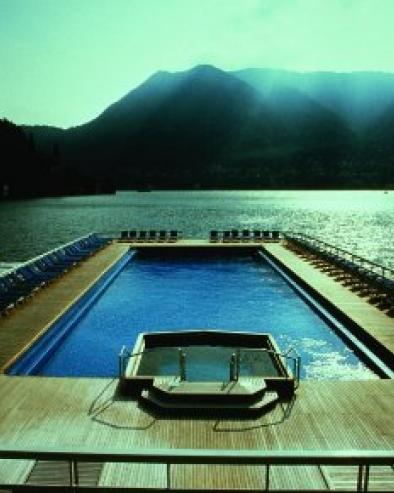 floating-swimmingpool_0